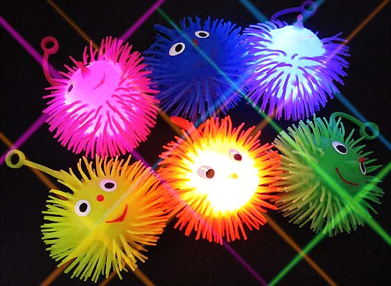 ac03c11ffd1998 キラキラ光る! 光る スマイルBONBON ヨーヨー☆ 柔らかいラバー素材で、プニプニ気持ちいい♪ ポンポンっとヨーヨーすると、ピカピカと光ります!  水に浮かべてもOK!
